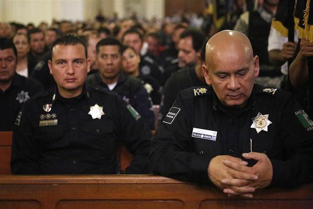 Ofician misa por policías caídos en Jalisco - El Mañana de Reynosa ...