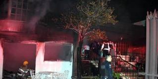 Se incendia asilo en Monterrey; 2 muertos y 17 intoxicados