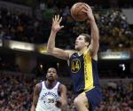 Pacers le pega al campeón defensor Warriors
