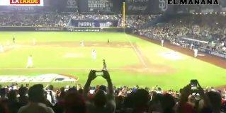 Los Dodgers superan 4-0 a los San Diego Padres en el regreso de las Grandes Ligas a México.