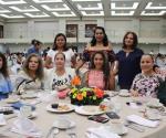 Festeja UAT en Tampico a mamás universitarias