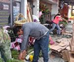 Se preparan floristas por festejo a madres
