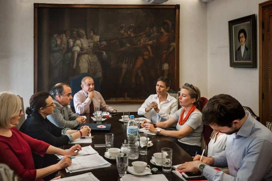 Reunión del Comité de la Cruz Roja en Atenas para analizar la creciente llegada de refugiados por la frontera norte con Turquía. ANGEL LOPEZ SOTO