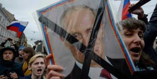 Protestantes contra Vladimir Putin son detenidos