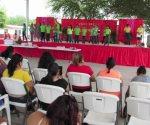 Ofrecen festival a las madrecitas