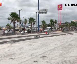 Sigue caos vial mientras avanzan trabajos del puente vehicular