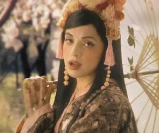 Mon Laferte prefiere cantar Japonés que reggaetón