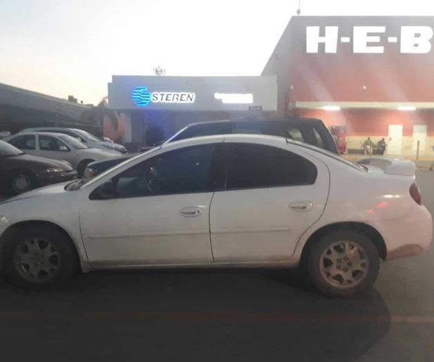 Hallan en un centro comercial auto robado