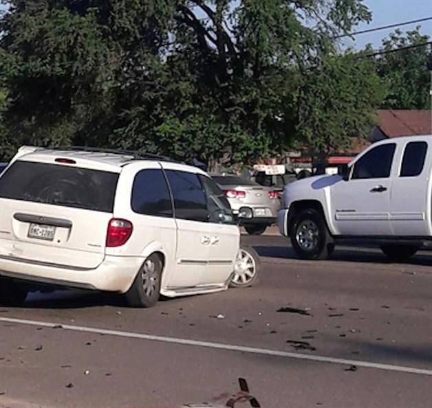 Embisten bus escolar; varios niños lesionados