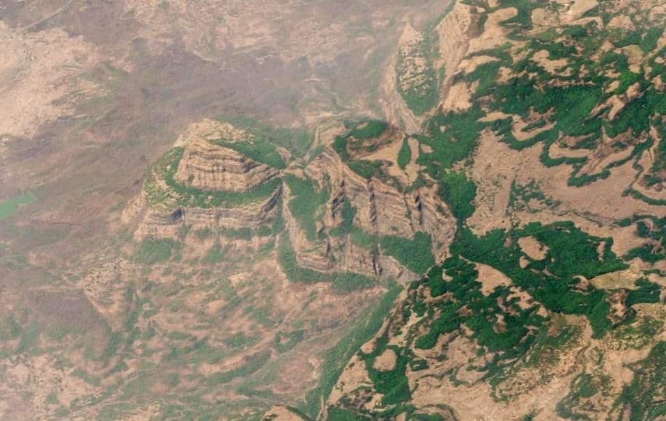 Escaleras del Decán (India)Hace 65 millones de años, una serie de erupciones volcánicas cubrieron partes de lo que ahora es India con flujos de lava. Así se formaron las Escaleras del Decán, visibles en esta imagen. Foto tomada el 22 de marzo de 2018.