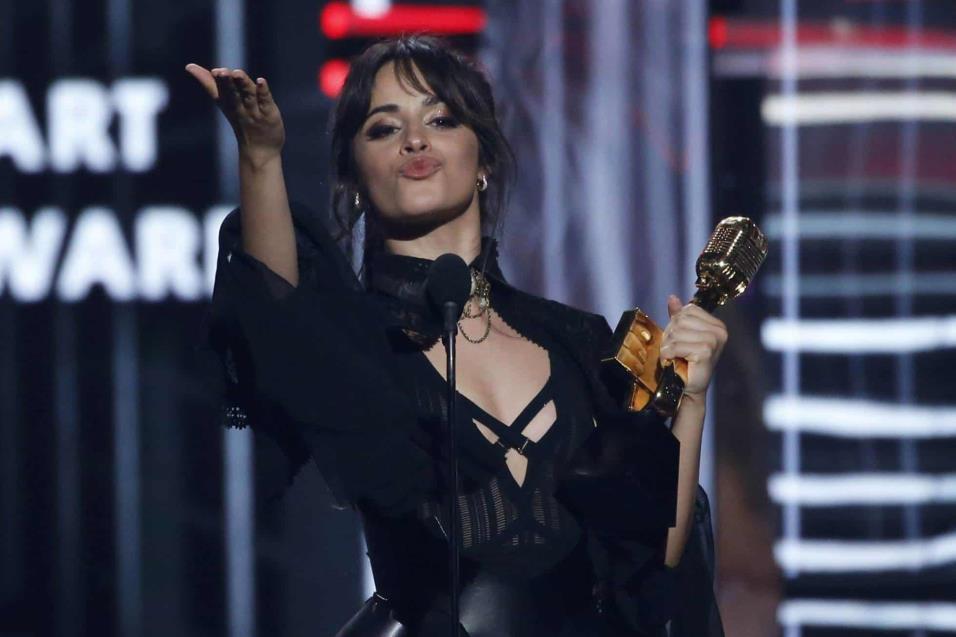 Camila Cabello, ganadora del premio Billboard Chart Achievement Award. MARIO ANZUONI REUTERS