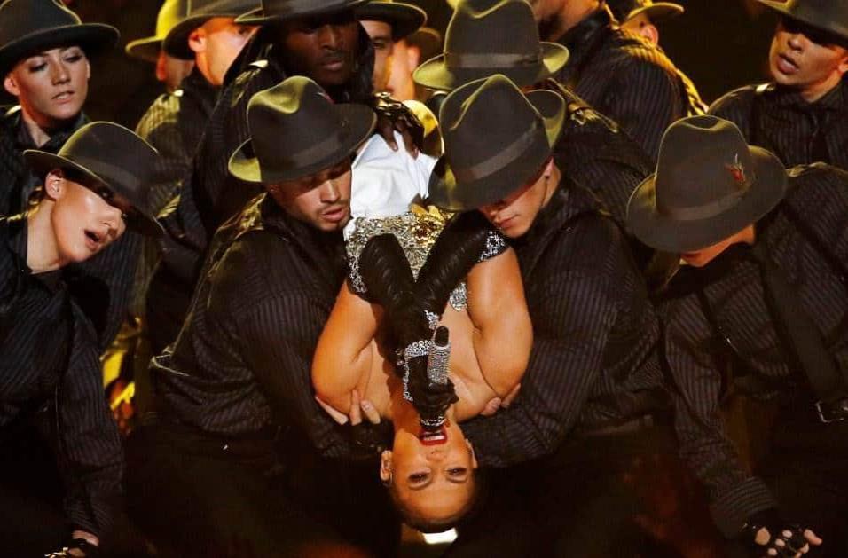 Jennifer López presenta su nuevo hit Dinero en los Billboard. MARIO ANZUONI REUTERS