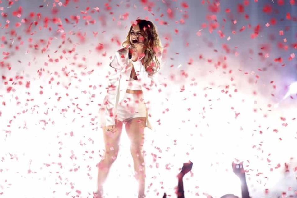 Maren Morris durante la actuación en los Billboard. MARIO ANZUONI REUTERS