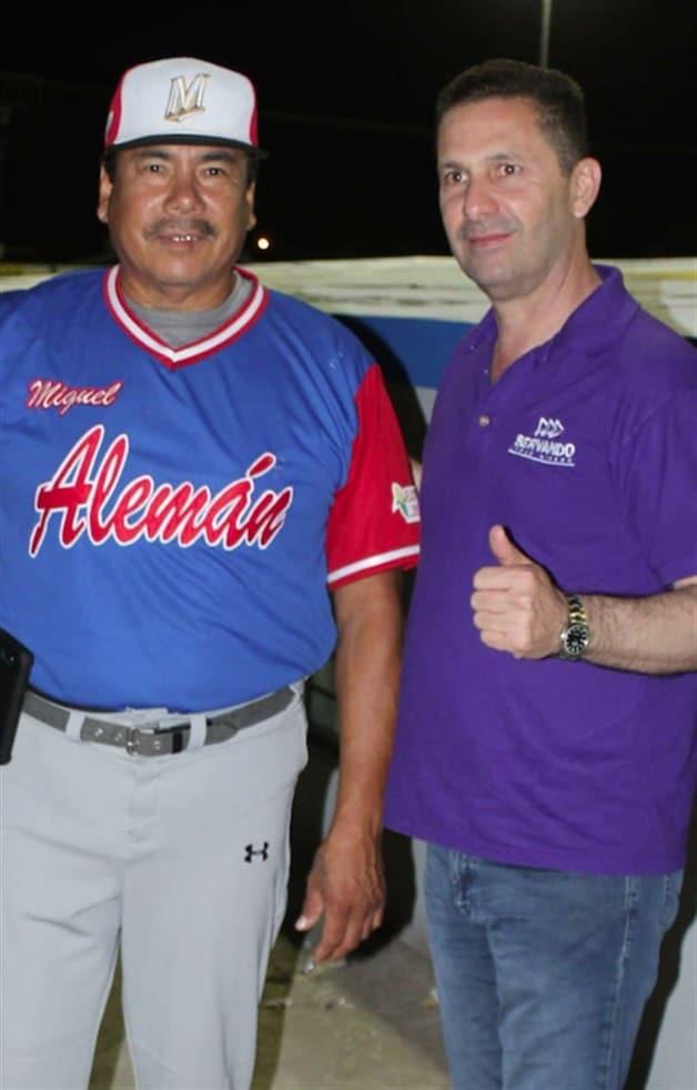 Felicita Servando López Moreno a la Selección de Béisbol