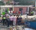 TAMPICO | Cae loza sobre tres personas mientras demolían un local