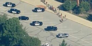 Dejan 2 heridos disparos en escuela de EU