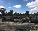 Arden en llamas cuatro vehículos que transportaban combustible robado