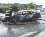 Vehículo se impacta contra muro e incendia en Nuevo Laredo