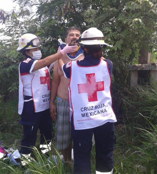 Casi muere diputado prensado en choque