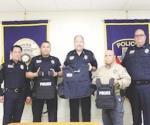 Arman con chalecos a policías de LISD