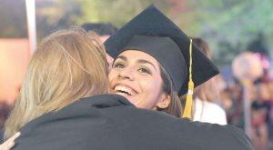 ¿Cuánto cuesta graduarse hoy en día?
