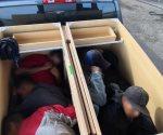 Descubren a ilegales... ¡ocultos en gabinetes de madera!