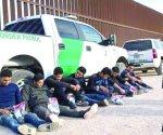 Envían migrantes a cárceles federales