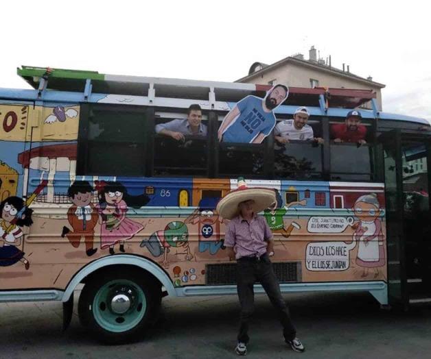 Mexicanos se hacen virales con su 'bendición' en Rusia