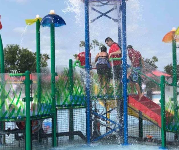 Nuevo parque acuático refresca a las familias