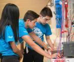 Plantean robótica a los alumnos, fuera de clase