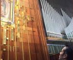 Agradece Adrián Uribe a la Virgen por su salud