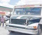 Una lesionada tras choque entre camión y tráiler en Nuevo Laredo