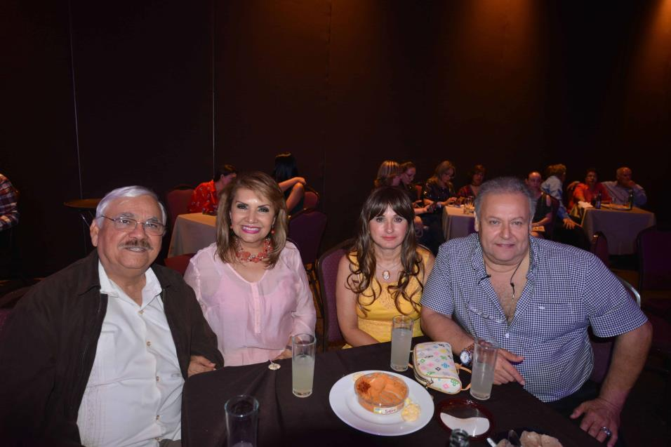 Jaime Villarreal, Miriam García de Villarreal, Agustin Treviño y Astrid García Morales