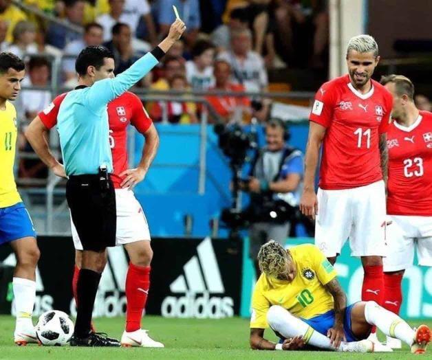 Le amarga Suiza debut a Brasil; empatan 1-1