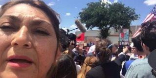Llegan congresistas federales al Valle de Texas; protestan por la separación de familias