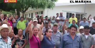 Campesinos del San Fernando, bloquean los accesos de la oficina de SAGARPA