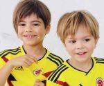 Comparte Shakira fotos de sus hijos con playera de Colombia