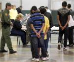 Acusa Trump a inmigrantes
