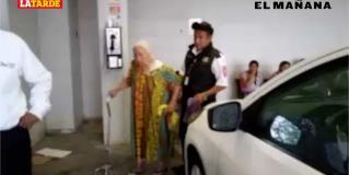 ´No me quedó nada´: abuelita rescatada en col. Hidalgo