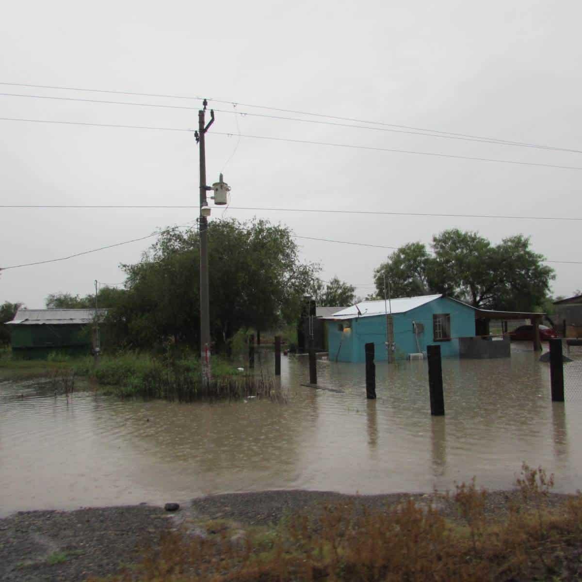 CAOS. Daños y sobresaltos causaron entre residentes de algunas colonias y comunidades rurales, las fuertes lluvias que azotaron principalmente a los municipios de Camargo y Díaz Ordaz.