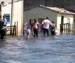 Exhortan cuidarse tras inundaciones