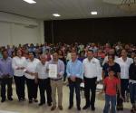 Recibe López Hernández la constancia de mayoría