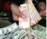 Dólar al mayoreo se vende por debajo de los 19 pesos