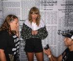 Fans de Taylor Swift se comprometen frente a ella