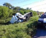 Vuelca trailer y sale herida pareja de matamorenses
