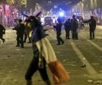 Choca Policía francesa con aficionados en festejos