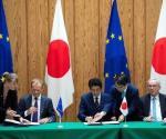 La UE y Japón firman el acuerdo comercial más grande del mundo