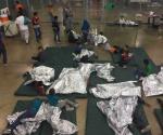 Niños migrantes dicen pasar hambre y frío en celdas de EUA