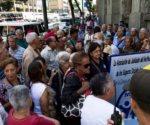 Exigen jubilados venezolanos pensión completa