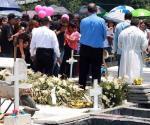 Dan emotiva despedida a Anita en panteón de Juárez, NL
